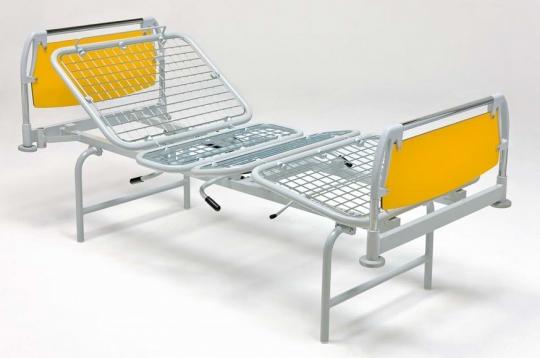 Медицинская четырехсекционная кровать для лежачих больных на ножках 11-CP116