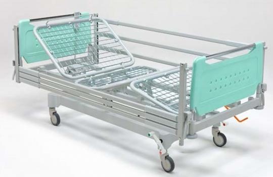 Медицинская четырехсекционная кровать с электроприводом на подкате 11-CP159