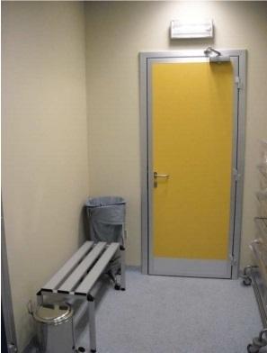 Медицинские автоматические и ручные распашные двери