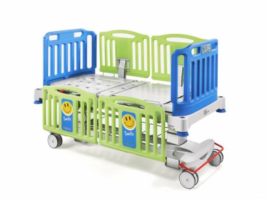 Медицинская педиатрическая кровать на колоннах Malvestio SMILE 348650