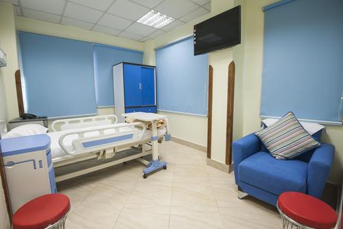 Медицинская палатная мебель из технополимера и ламината