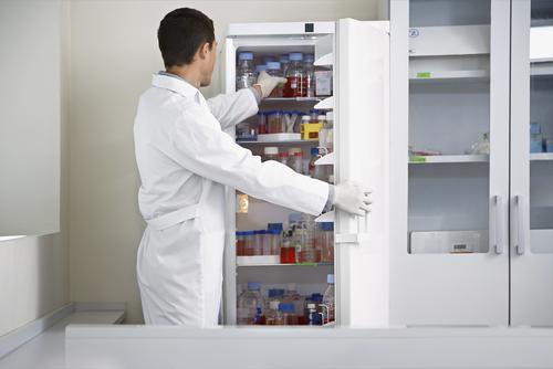 Лабораторные и фармацевтические холодильники
