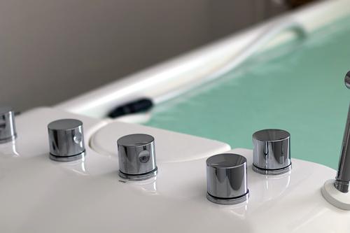 Медицинские гидромассажные ванны