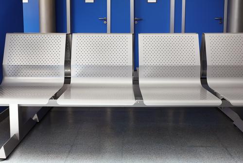 Кресла и стулья для посетителей