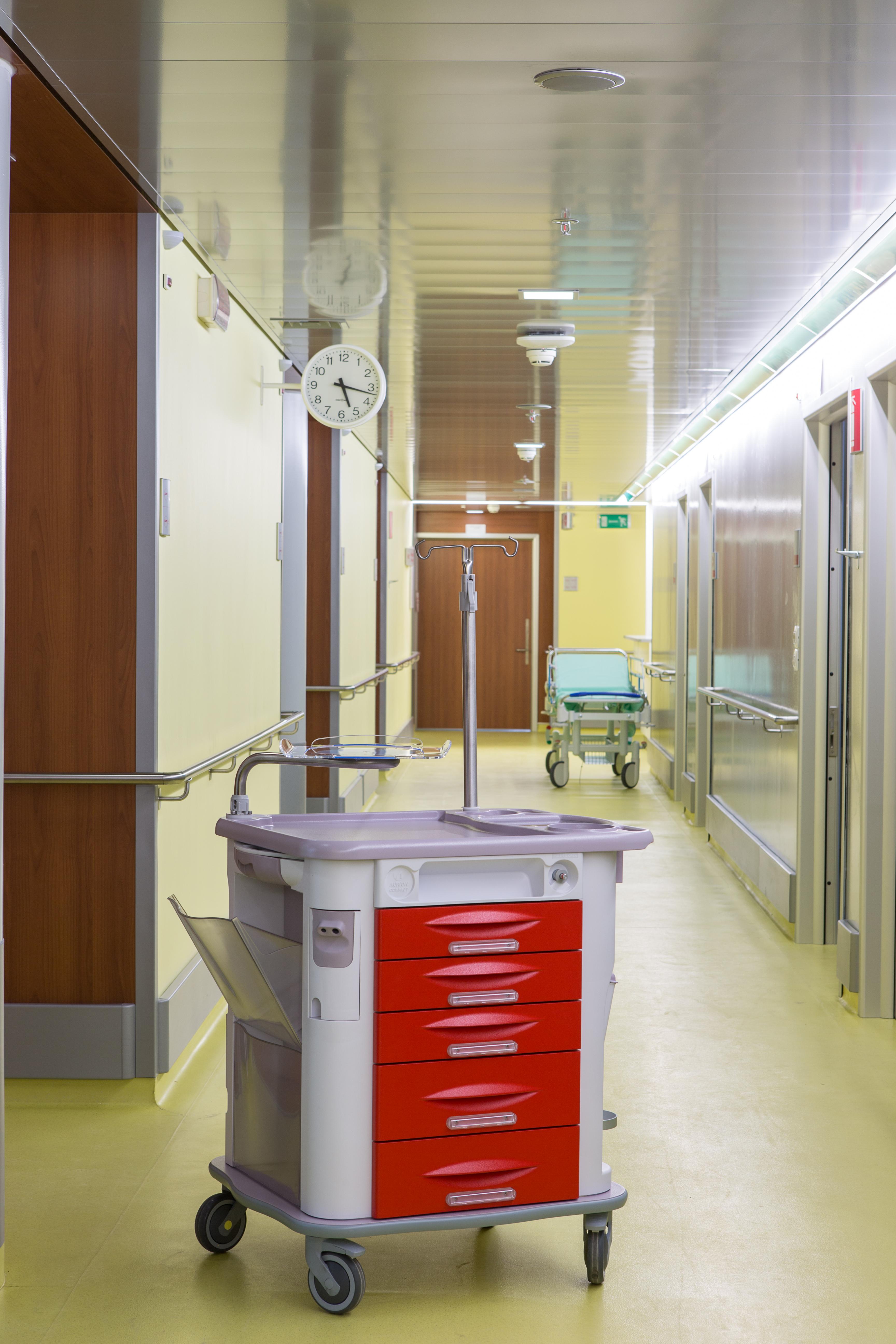 Тележки медицинские специлизированные