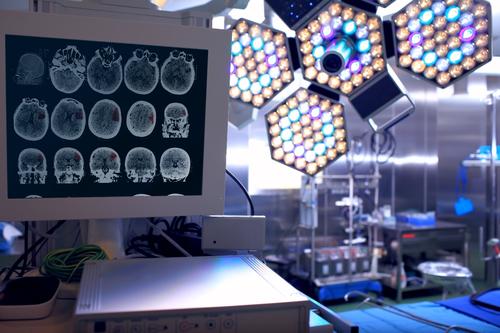 Как правильно подобрать передвижной хирургический светильник