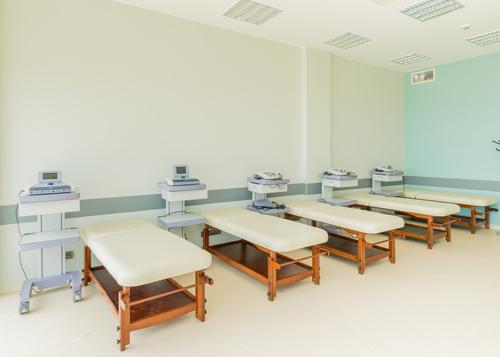 Оснащение отделений реабилитации и физиотерапии