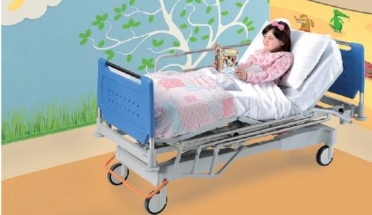 Больничная подростковая функциональная четырехсекционная кровать 11-CP163