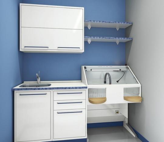 Небольшой компактный медицинский шкаф и мойка для стоматологии