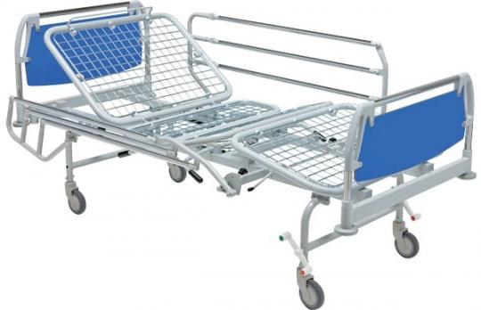 Медицинская четырехсекционная кровать для лежачих больных на колесах 11-CP136