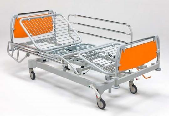 Медицинская функциональная четырехсекционная кровать для лежачих больных на подкате 11-CP156